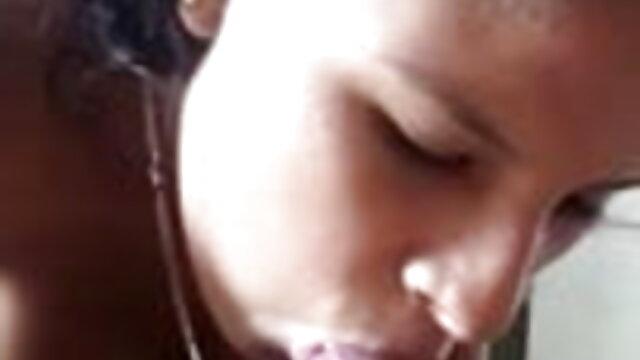 गुदा के साथ वेब कैम पर सेक्सी वीडियो में मूवी प्यारा पूर्वी यूरोपीय लड़की