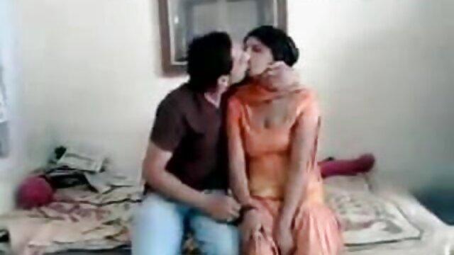 संचिका बफी हिंदी में फुल सेक्स मूवी कैमरा पर boobies कूद बनाता है