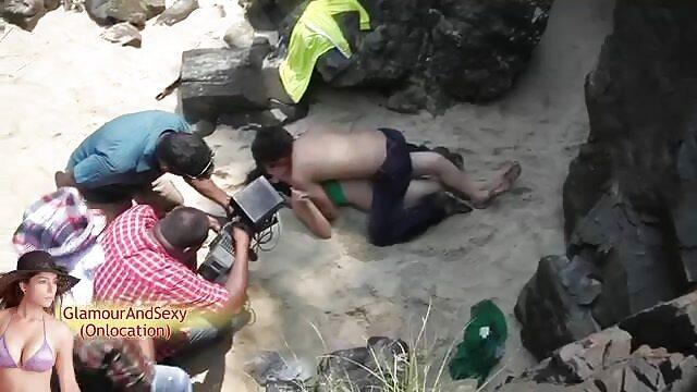 अमांडा डेगस वाइब्रेटर से हिंदी में सेक्सी मूवी हस्तमैथुन करती है।
