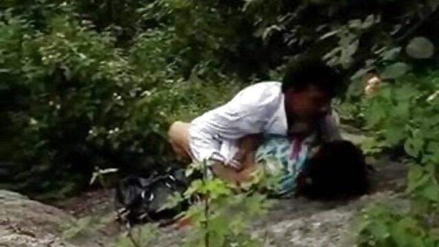 बम्बोला मूवी सेक्सी वीडियो में लो वुले नीरो