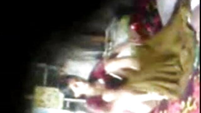 जॉय मूवी सेक्सी फिल्म वीडियो में सिलपा और किम्बर्ली कप्प्स