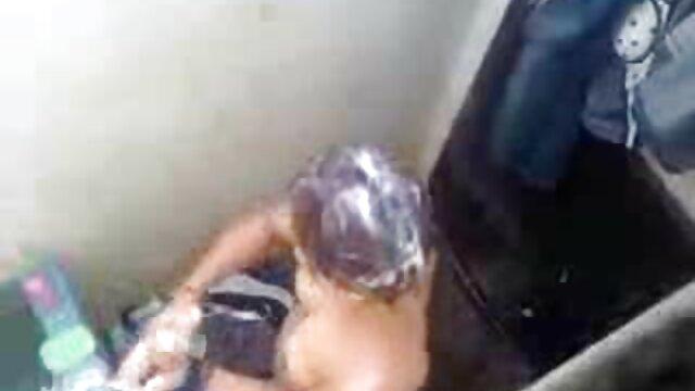 19 और हिंदी में सेक्सी वीडियो मूवी एक मुर्गा