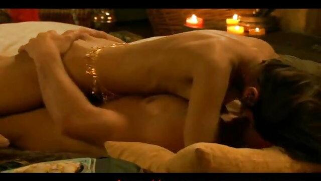 गलफुला Titted जयजयकार Tessa फुल मूवी वीडियो में सेक्सी पूल साइड गुदा