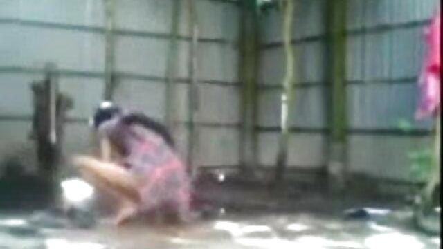 यूफरात सेक्सी मूवी वीडियो में सेक्सी प्ले सोलो