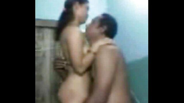 सुनहरे बालों वाली हिंदी में सेक्सी मूवी बाहरी कार्रवाई