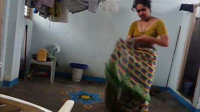बीबीसी द्वारा गड़बड़ हिंदी में सेक्सी मूवी फिल्म बालों वाली एमआईएलए