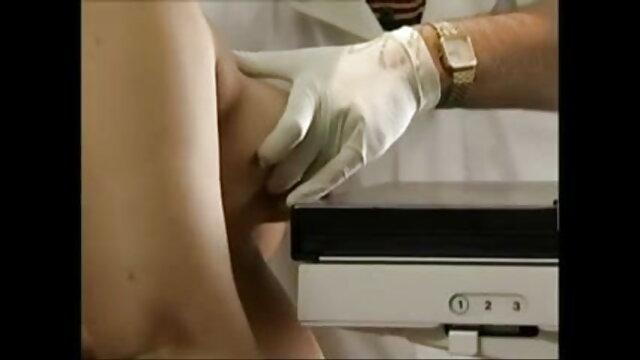 कराह रही सेक्सी मूवी वीडियो में सेक्सी जर्मन क्रीमपाइ