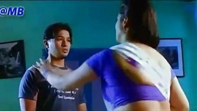 स्कीनी वर्दी बेब अमांडा वैम्प फुल मूवी वीडियो में सेक्सी स्पेकुलम ओब गेन पर खेलते हैं