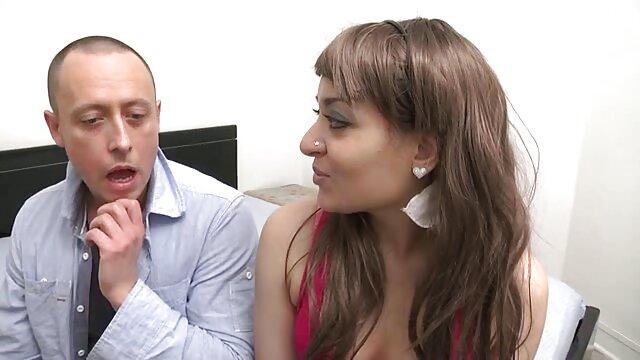 लचीली जिम्नास्ट टीन को कामसूत्र सेक्स हिंदी में सेक्सी फुल मूवी पसंद है