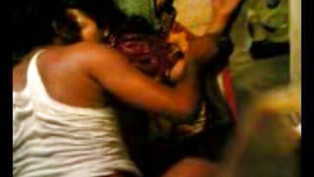 छोटी मौत - मूवी सेक्सी फिल्म वीडियो में 11