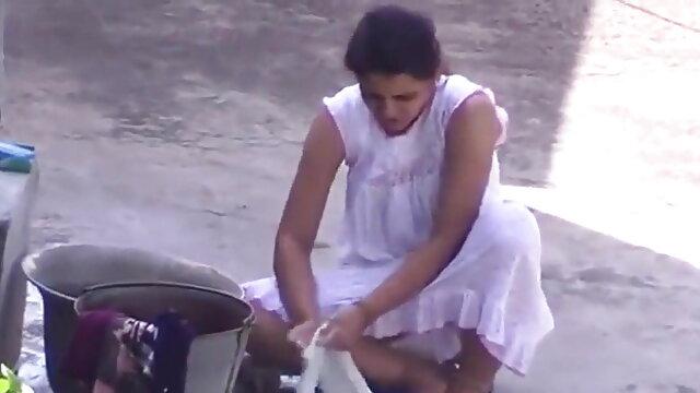 खरा गर्म हिंदी में सेक्सी फिल्म मूवी गर्म समुद्र तट जासूसी तैसा पर्ची अच्छा शो
